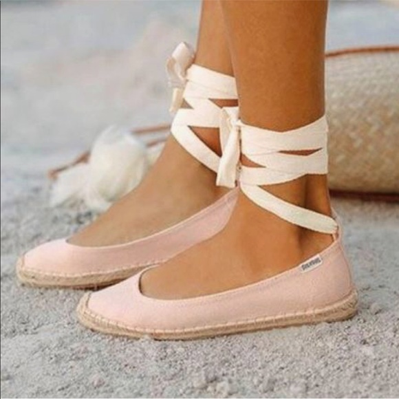 244a4fd943e Soludos Ballet Tie Up Flats •NWT•